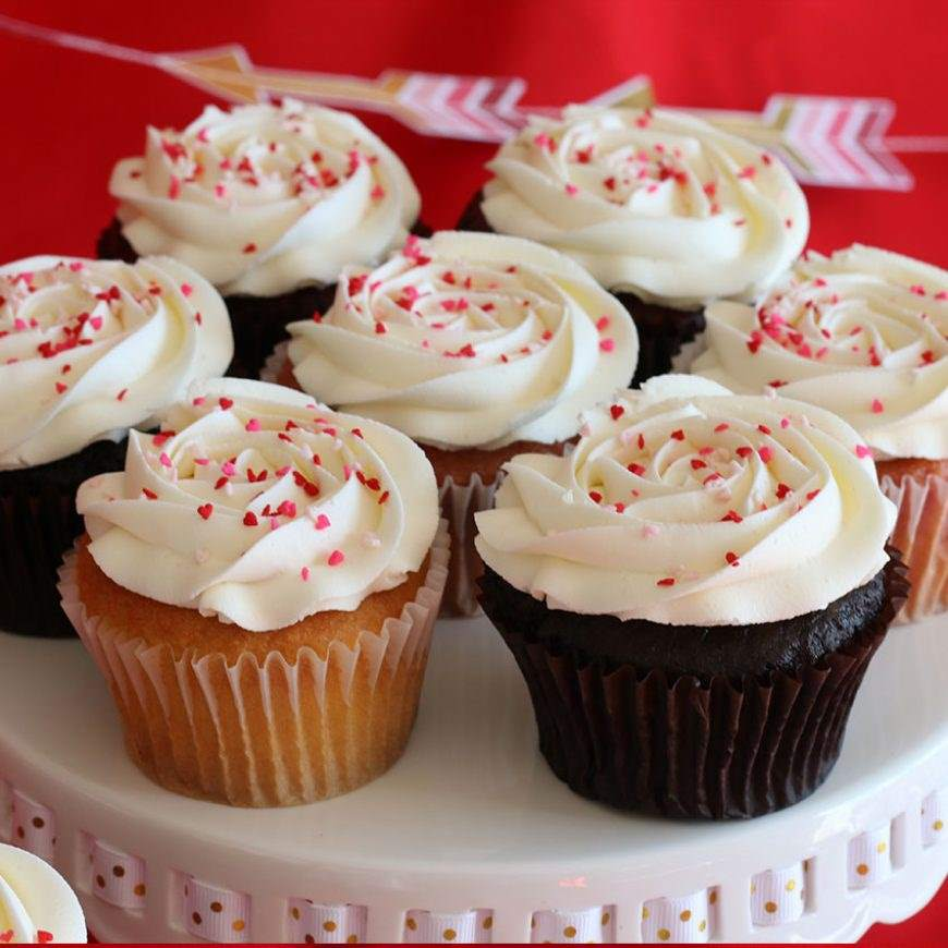 White Rose Cupcakes for your Valentine!